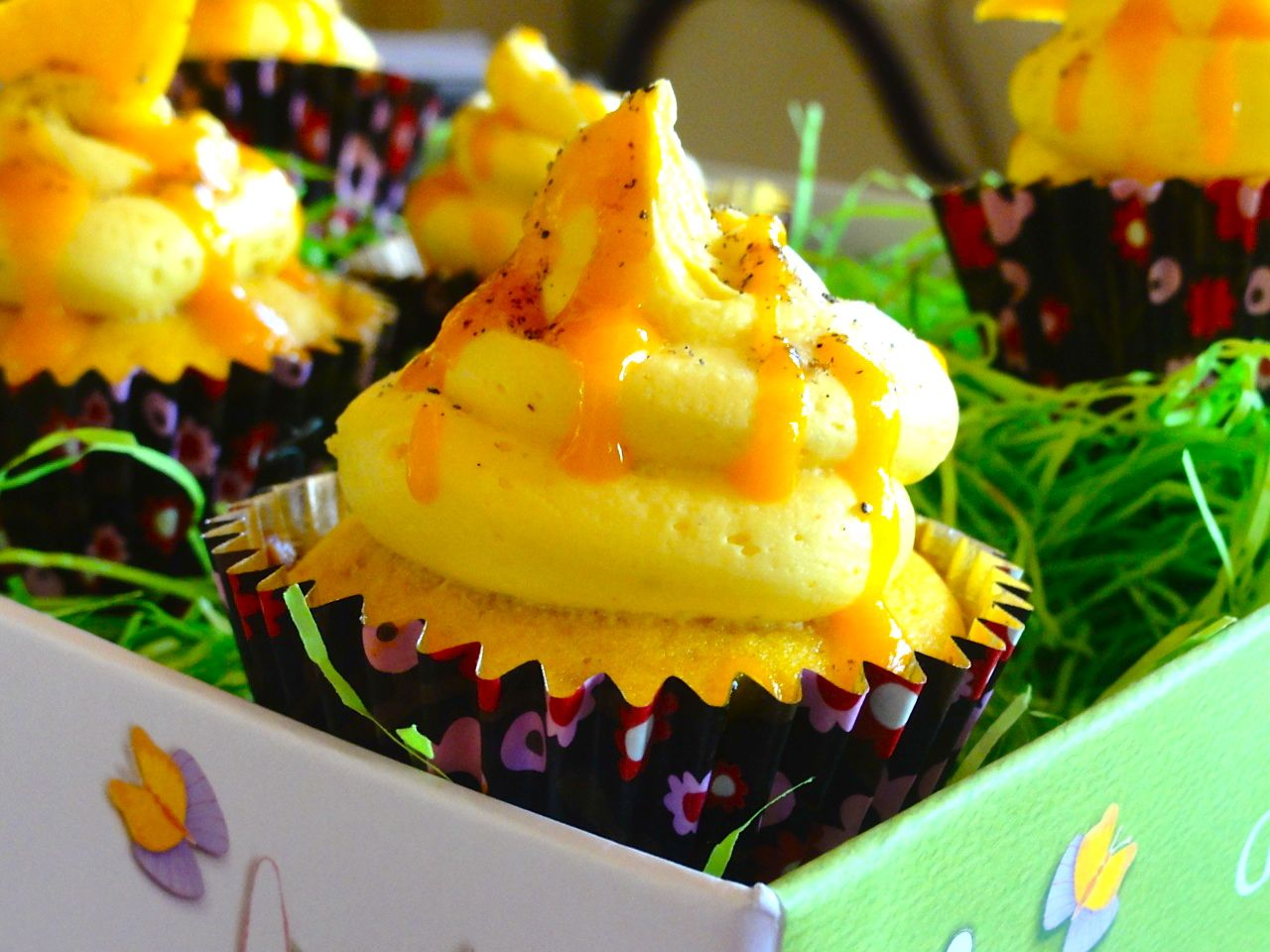 Mini Passion Fruit Rum Cupcakes with Pineapple Buttercream ...